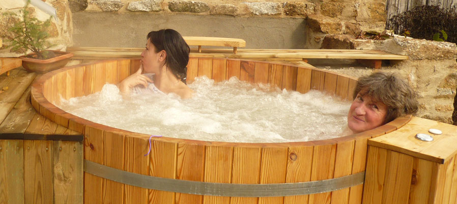 Prestations du sejour detente relaxation en limousin week for Bain bouillonnant